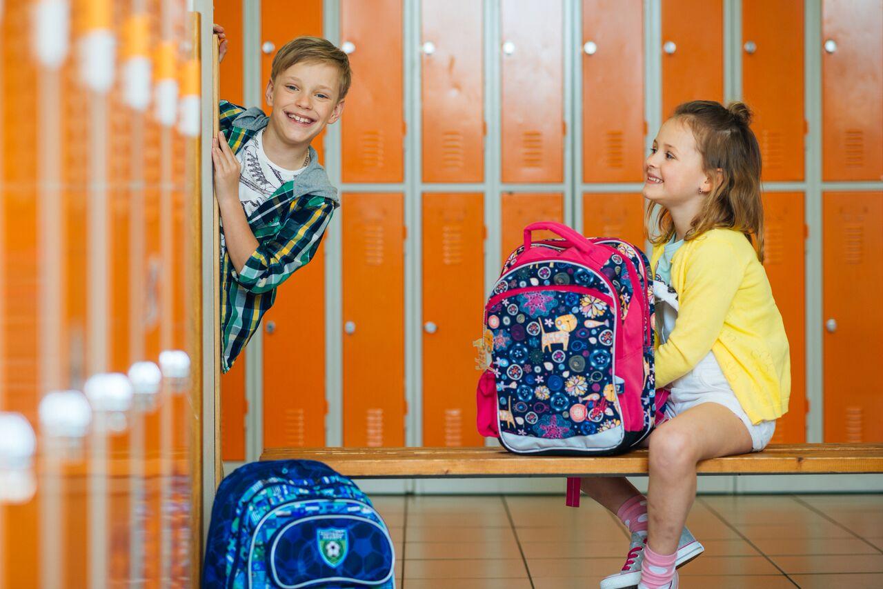 Jaký batoh nebo aktovku bude letos nosit vaše dítko  - Ženy Dívky 850288cefa