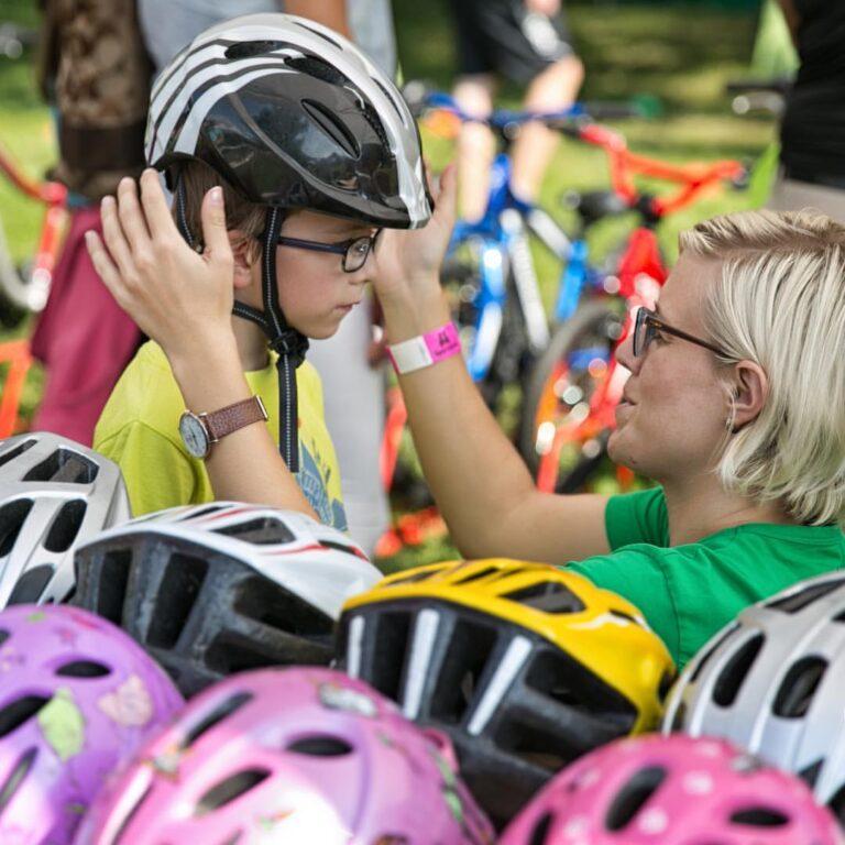 Češi jsou národem cyklistů, ale chybí cyklistická gramotnost
