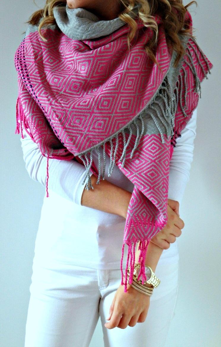 357c431cd29 Jak nosit šálu  Přežijte zimu stylově - Ženy Dívky