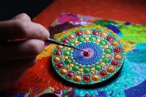 Kreativita nezná hranic. Oslavte Mezinárodní den mandal tvořivě