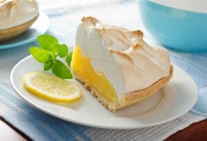 Sladko-kyselá dobrota: citronový koláč s pěnovou přikrývkou