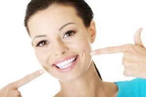 Úsměv jako hollywoodská hvězda? Vyzkoušejte bělení zubů!