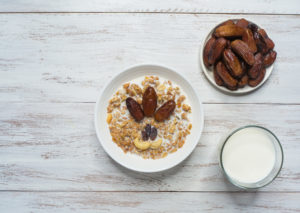 Tři výživné snídaně do chladných dnů. Kaše či banánová placka