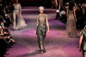 Christian Dior: inovátor módního průmyslu, který zajídal emoce