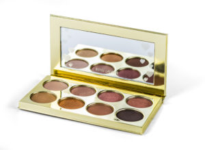 Oční stíny Oční stíny Estée Lauder, obchod The Cosmetics Store Company, Fashion Arena Prague Outlet, původní cena 1 590 Kč, outletová cena 1 113 Kč.