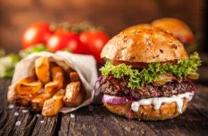 Recept na šťavnatý domácí hamburger aneb mana na talíři